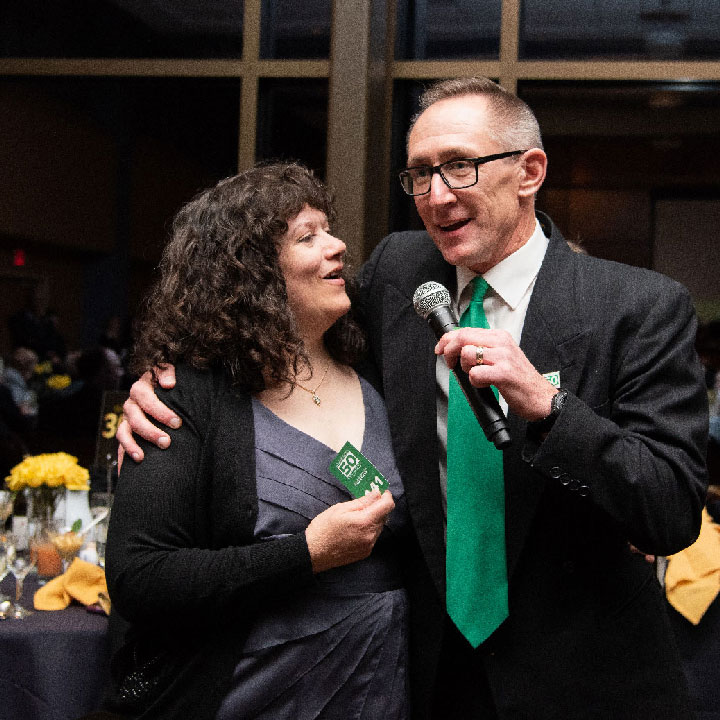 Julie Kinzelman '84 and former Assistant Chancellor John Jaraczewski